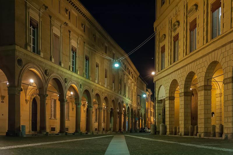 Bologna, portici della via Santo Stefano (Palazzo Bolognini Amorini Salina)