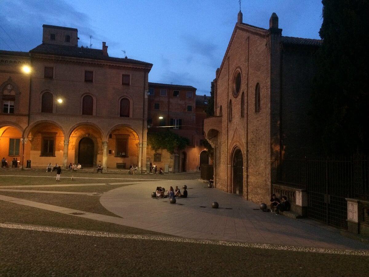 Bologna - apertivo - Aperol Spritz